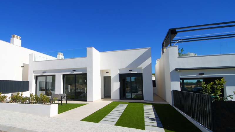 Lo Alto de lo Romero Golf residential of luxury villas and apartments